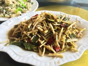 ドクダミの炒め物(中国雲南省)